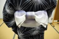 半巾帯を結ぶ